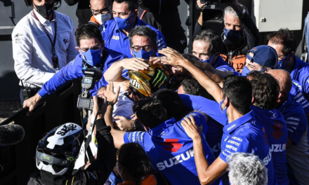 Marvelous MIR &A Team Suzuki Ecstar Conquer 2020 Crown