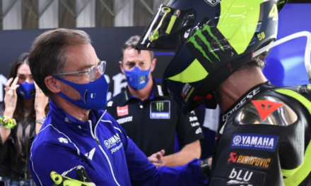 Yamaha Celebrate 15 Years With Rossi